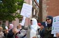 L'interdiction du voile lors des sorties scolaires ravive le débat