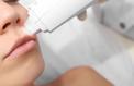 Nouvelle guerre entre dermatologues et esthéticiennes