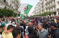Les Algériens fêtent en marchant leur libération