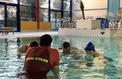 Ces adultes qui décident d'apprendre à nager