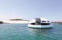 Hôtel nomade: Anthénea, la soucoupe sur l'eau inspirée par James Bond