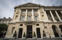 Face à la concurrence, les palaces parisiens condamnés à monter en gamme