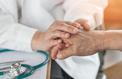 Infections, cancers: comment l'âge nous rend plus fragiles