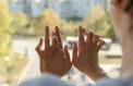 Des articulations raides et douloureuses, symptômes d'une polyarthrite rhumatoïde