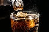 Diabète : un verre de soda sur la table de chevet