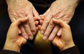 Le don de jours de repos aux proches aidants s'ouvre aux fonctionnaires