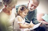 Les grands-parents dépensent 1 650 € par an pour leurs petits-enfants