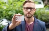 Une nouvelle carte d'identité au format carte de crédit dès août 2021