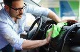 Nettoyer l'intérieur d'une voiture