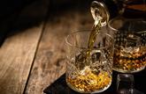 Gare aux arnaques à l'investissement dans le whisky