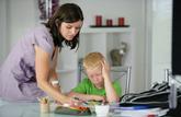 Au 1er mai, les salariés en arrêt de travail pour garde d'enfants passeront en chômage partiel