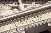 Crise sanitaire: attaquer l'État en justice, une procédure complexe