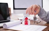 Crédit immobilier : les taux baissent, les refus augmentent