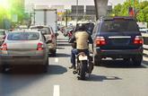 Motos, scooters : circuler entre les files est désormais interdit partout en France