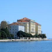 Tour d'Europe des campus universitaires avec vue sur mer