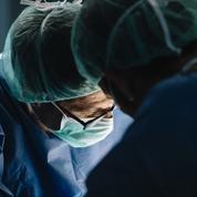 Un homme reçoit un second visage après une première greffe rejetée