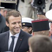 Emmanuel Macron insiste pour rendre le service national obligatoire
