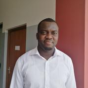 Il raconte ses études dans une école d'ingénieurs française en Afrique