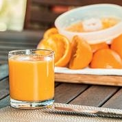 Vaut-il mieux manger ou boire des fruits ?