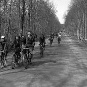 En 1936, la France découvre les congés payés, mais l'âge d'or des vacances est encore loin