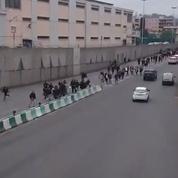 La vidéo hallucinante de lycéens bloquant l'autoroute en soutien aux «gilets jaunes»