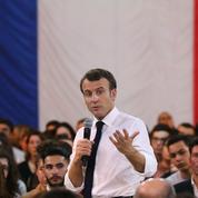 Macron compte intégrer l'examen du permis de conduire au service national universel