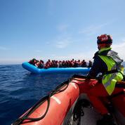Migrants: les ONG complices des «passeurs», une accusation récurrente