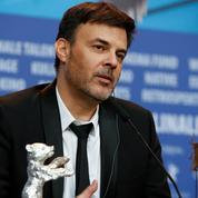 L'incompréhension du réalisateur François Ozon face à la décision du pape sur le cas Philippe Barbarin