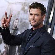 Chris Hemsworth veut passer du marteau de Thor au Walther PPK de James Bond