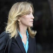 Pots-de-vin à l'université: Felicity Huffman plaide coupable