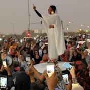 Soudan: une femme devient l'icône de la révolte contre le régime