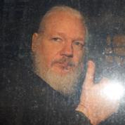 L'Équateur accuse Assange d'avoir tenté de créer un centre d'espionnage à Londres