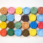 «Envie de faire des câlins», «angoissant», «dents qui grincent»: des consommateurs de MDMA racontent