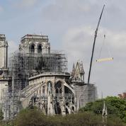 Notre-Dame: les opérateurs mobiles proposent la collecte de dons par SMS
