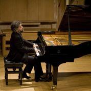 François-Frédéric Guy, piano erectus