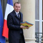 Une croix gammée taguée sur la permanence du secrétaire d'État Olivier Dussopt