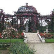 Sous la menace d'un projet immobilier, à L'Haÿ, la Roseraie n'est plus en odeur de sainteté