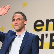 Européennes: selon Glucksmann, «Macron fait un chantage au barrage»