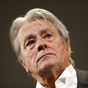 Pétition contre la palme d'Alain Delon: le festival de Cannes s'insurge contre la «police politique»