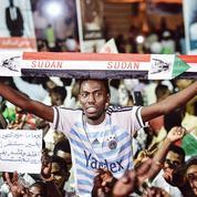 Soudan: les opposants à Omar el-Béchir rentrent d'exil mais ne baissent pas la garde