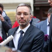 Autriche: démission de tous les ministres d'extrême droite