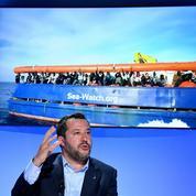 En Italie, Matteo Salvini met en scène la lutte contre l'immigration