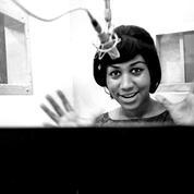 Neuf mois après sa mort, un testament d'Aretha Franklin retrouvé chez elle, sous un coussin