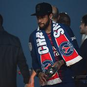 Neymar lance son parfum et crée le buzz