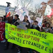 Hausse des frais de scolarité pour les étudiants étrangers: le Conseil d'État rejette le recours de trois associations