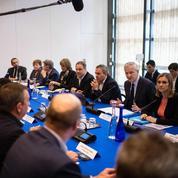 Ascoval: Bruno Le Maire tente de rassurer les salariés