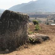 Des jarres géantes, parfois remplies de corps humains, découvertes au Laos