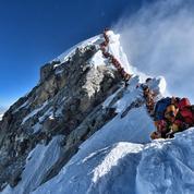 Qui a pris l'impressionnante photo de l'embouteillage d'alpinistes au sommet de l'Everest?