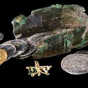 À Dijon, un trésor de pièces interdites vieux de 500 ans découvert sous des toilettes