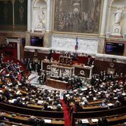 Des députés LR réfléchissent à créer un groupe dissident à l'Assemblée